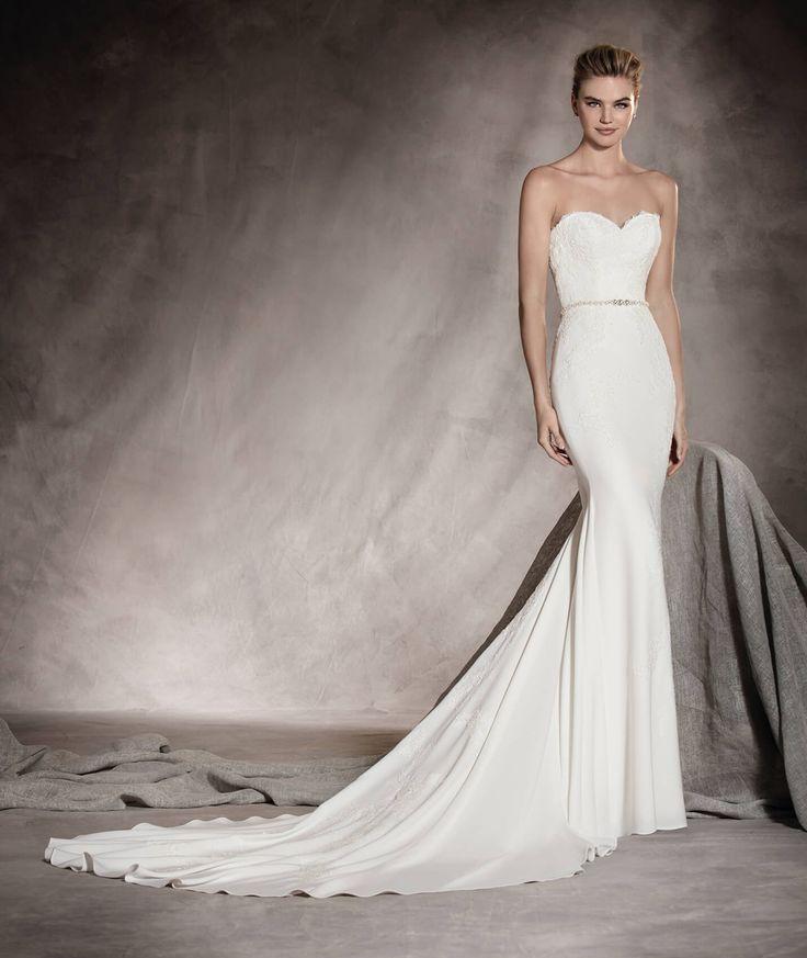 Front of Ava's wedding dress