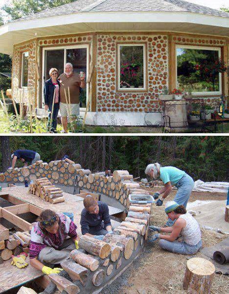 Casa executada com troncos de madeira.