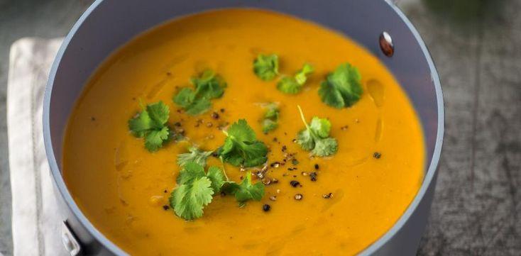 Thajská polévka z červené čočky a batátů