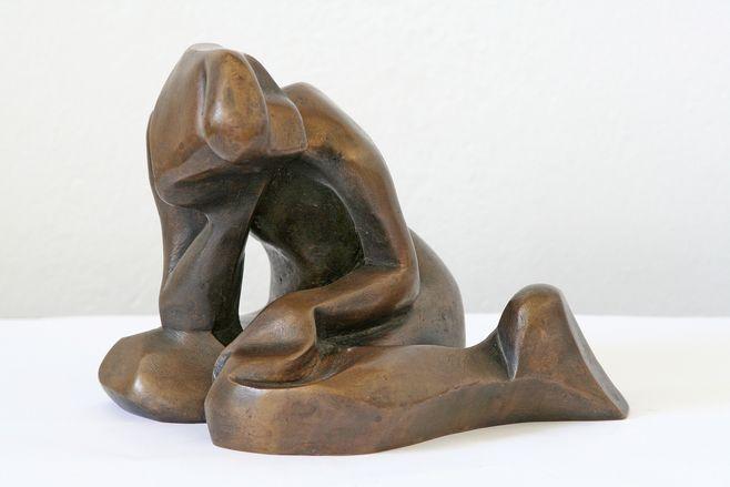 katarzyna kobro, akt dziewczęcy, 1948, brąz