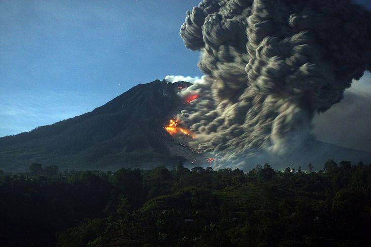 Mount Sinabung Volcano Erupts in Indonesia - http://designyoutrust.com/2014/10/mount-sinabung-volcano-erupts-in-indonesia/