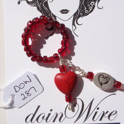 doinWire Wine Charm Red seed beads, red heart bead and heart charm. DOW287
