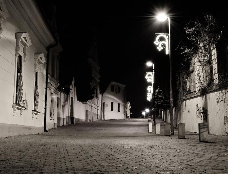 Pécs, Esze Tamás utca, 2012. karácsonyi éjféli mise után. Fotó: Hajdu Csaba. Facebook, I<3Pécs