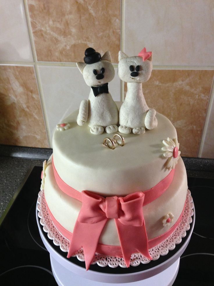 Svatební dort s kočičkami. Náplň tvarohova s mandarinkami