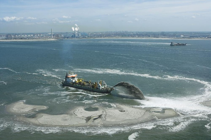 Maasvlakte 2, the Netherlands - more than 200 million m³ of sand from the extraction area out at sea shifted to the reclamation site to create new land.