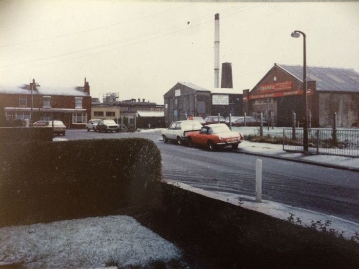 Oakwell Garages Hastings road Leyland, around winter 1986. How things have changed.