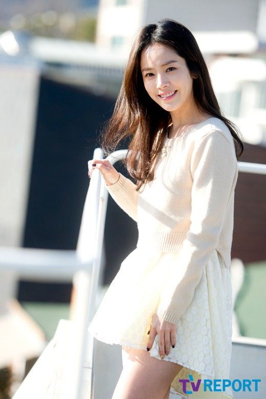 Han Ji Min 한지민 (how??? how can anybody be so flawless)