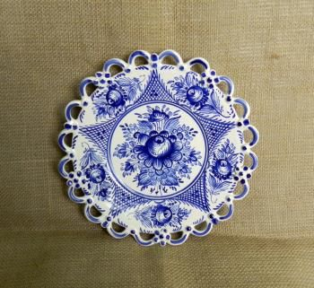 Keramický talíř - jedna krajka