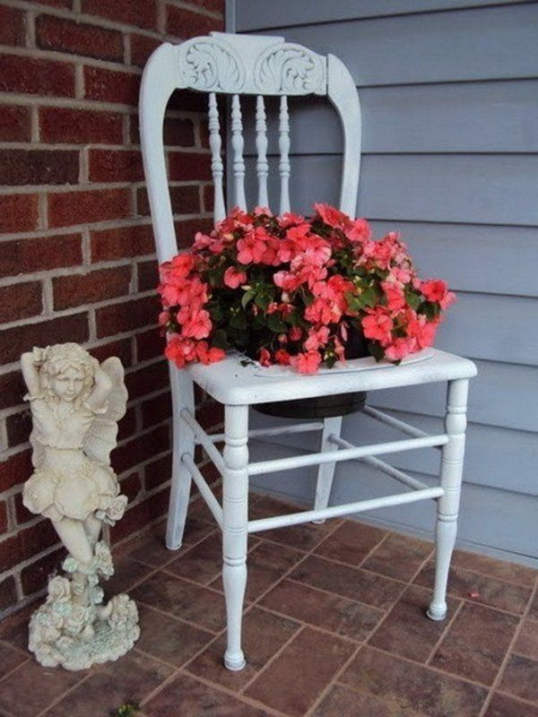 How to Make a Chair Planter – cottage decor