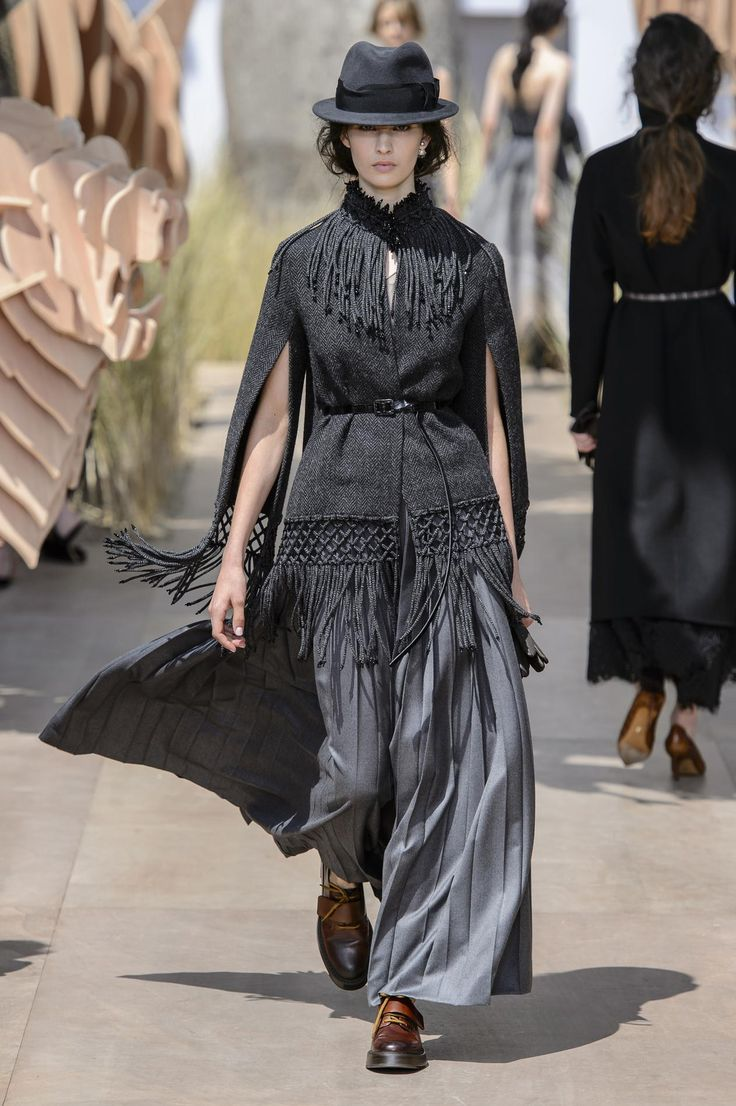 Christian Dior haute couture: le tour du monde en un défilé -...