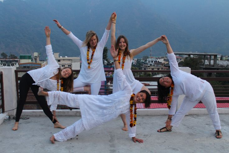 https://mantrayogameditation.org/ashtanga-vinyasa-yoga-teacher-training-india/