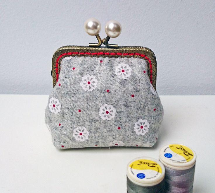 Snow flowers purse
