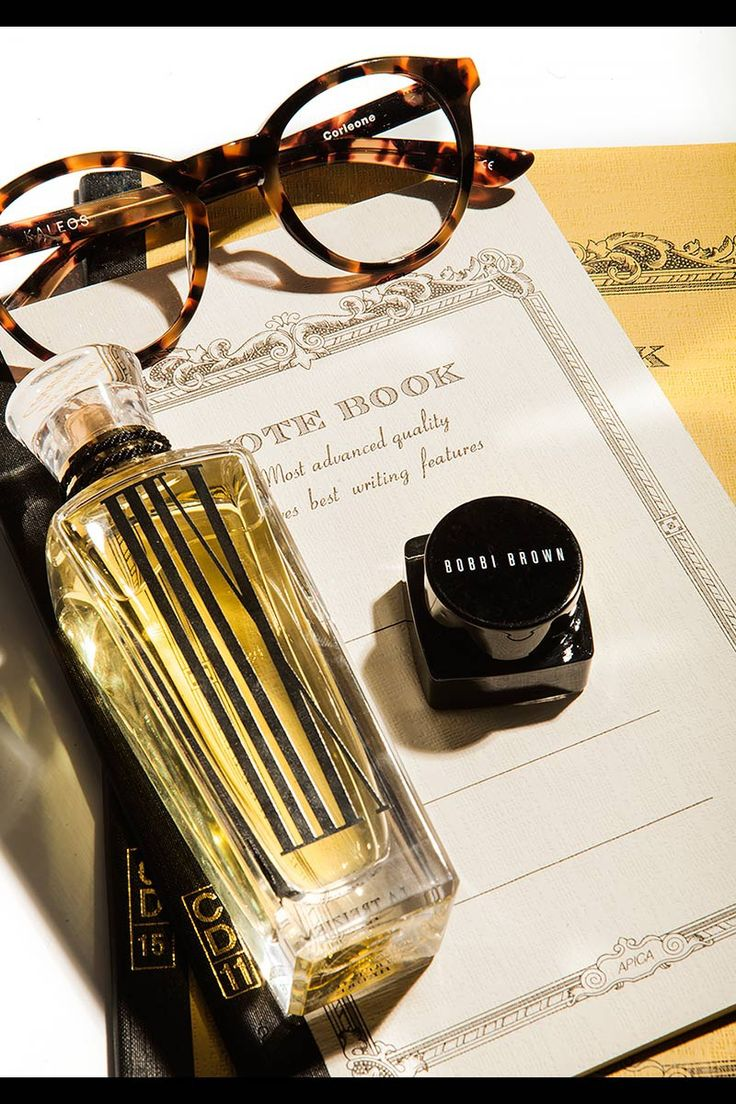 Nos encanta la selección de regalos que ha hecho @voguespain para la mujer tomboy, entre ellos incluye nuestras Corleone. ¡Gracias! #Kaleos #sunglasses #shades #sunnies #glasses #look #gafas #gafasdesol #fashion #moda #complementos #accessories