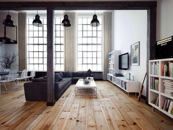 Grenen houten vloer in een grote ruimte - Fairwood houten vloeren: http://www.grenenvloeren.net/