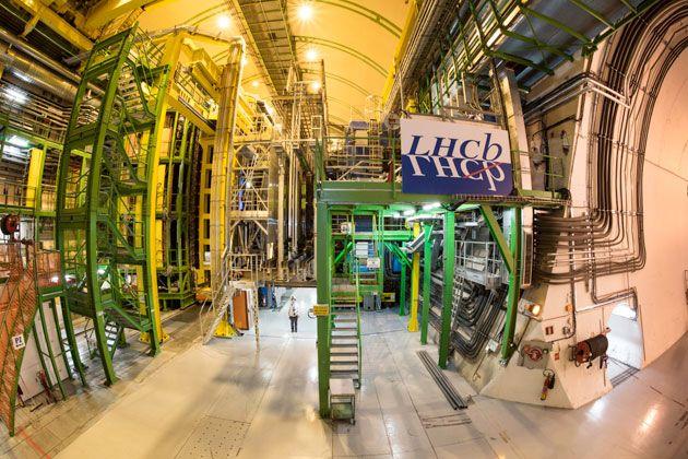 Teilchenbeschleuniger am CERN findet mögliche anormale Abweichungen vom Standardmodell der Teilchenphysik . . . http://www.grenzwissenschaft-aktuell.de/cern-findet-mgl-anormale-abweichungen-vom-standardmodell20170421/