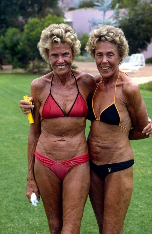 Sisters, Ayers Rock 1988 | Rennie Ellis Photographic Archive