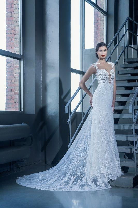 15089 в Красноярске, Платье в пол, Свадебное платье с рукавом, Свадебное платье с закрытым верхом, Пышное свадебное платье