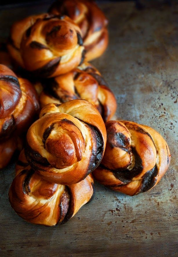 Twisters buns with Chocolate