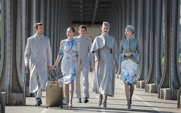 11 #UNIFORMES ESTILOSOS DE CIAS. #AÉREAS #moda #designdemoda #design #fashion #airlines