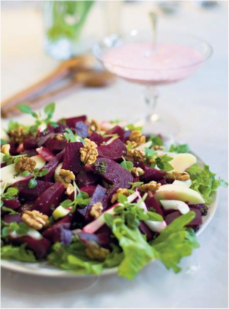 Hedelmäinen punajuuri-salaatti