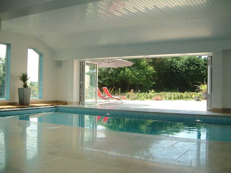 Best 25 indoor swimming pools ideas on pinterest for Private indoor swimming pools