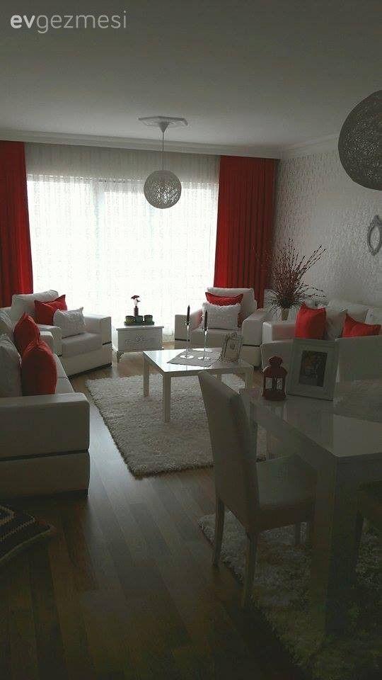 Ankara'da yaşayan Merve hanım beyaz rengin insan üzerinde bıraktığı taze ve ferah hissi çok seviyor. 2.5 yaşında bir kızı olsa da beyaz rengi kullanmaktan vazgeçemiyor.  140 metrekarelik evlerinde,...