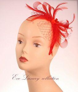 Украшение для волос. Красный ободок, декорированный кринолином, перьями, вуалью и бусинами