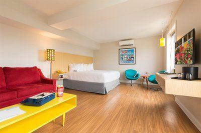 Tour Our Retro Hotel in Savannah | Thunderbird Inn
