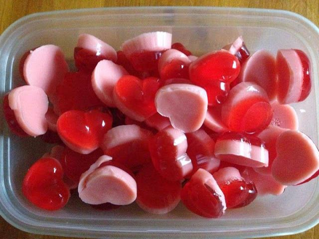 Below is the recipe for how to make sweets the Slimming World way:    Ingredients:    2 sachets of jelly  2 sachets of gelatine  1 muller light  Silicone molds (around 50)    Method:    Add 1 jelly sachet and 1 gelatine sachet to 140ml of boiling water. Mix until dissolved.     Fill up your molds half way with the mixture.    Put your half filled molds in the fridge to set for 10 to 15 minutes.     Make up the same mixture again, but this time add your muller light to the mix and stir…