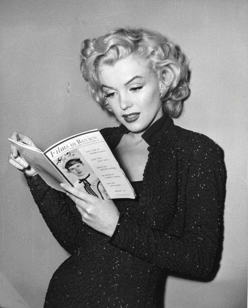 oh! Marilyn/ Why are there so  many pictures of Marilyn reading?