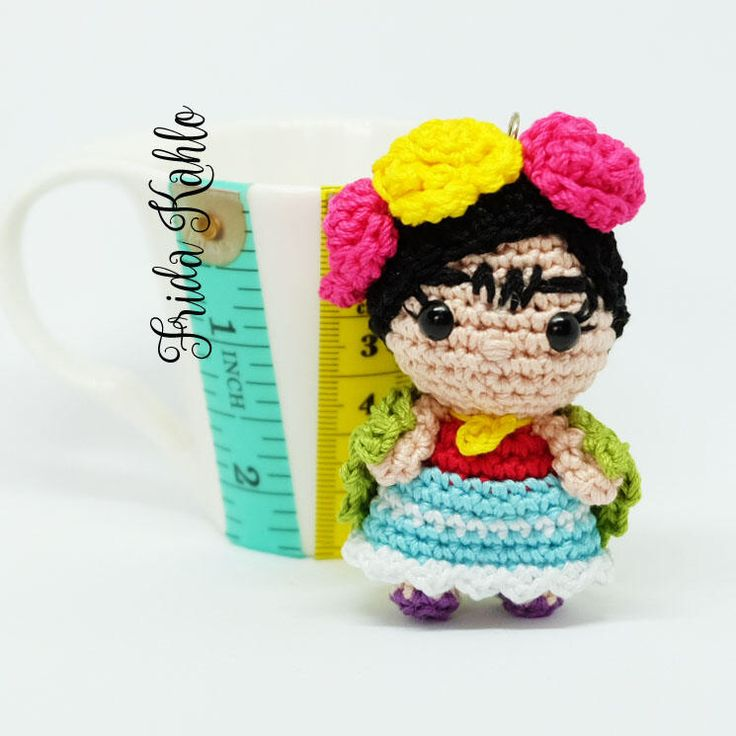 Un preferito personale dal mio negozio Etsy https://www.etsy.com/it/listing/491514000/frida-kahlo-amigurumi-portachiavi
