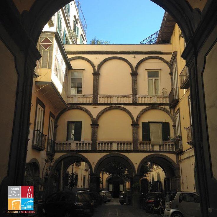 Un palazzo nel centro storico di Napoli dove ebbe inizio la storia di Ferdinando Sanfelice per il Quartiere Sanità
