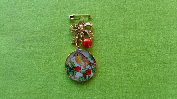 Christmas brooch mistletoe broochchristmas bird by ArtisticBreaths
