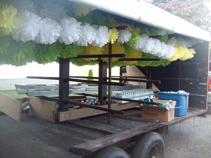 How would you transport over 100 fully made tissue paper puffs? A tomato plug trailer of course!