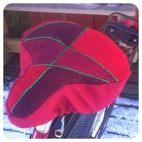 DIY kit in wool felt for the bike - skarvsöm Swedish patchwork.