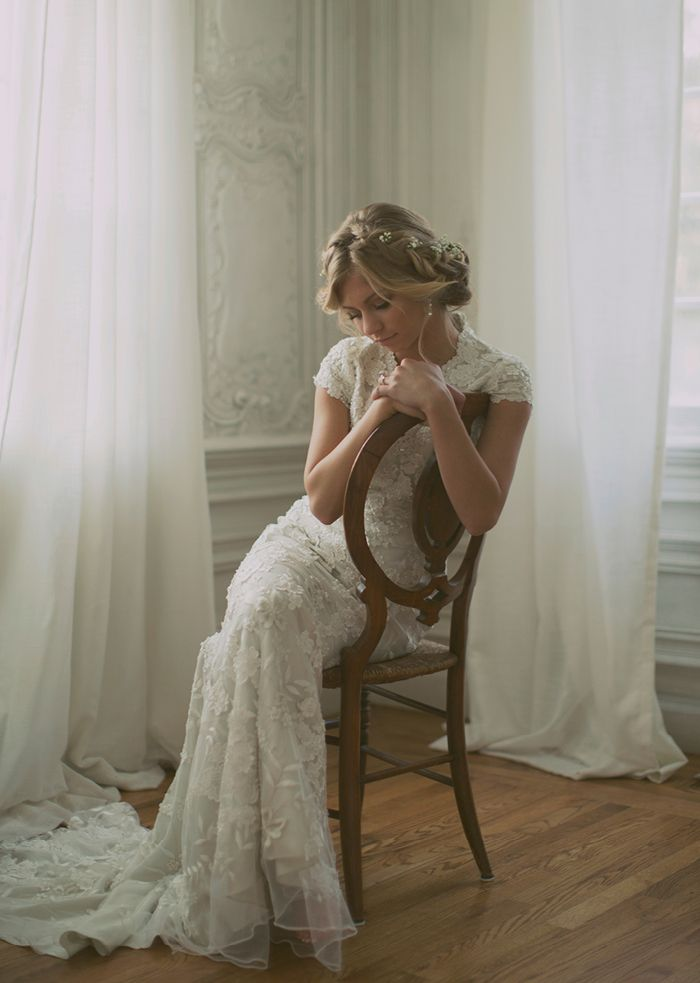 These are some of the most beautiful bridal photos I have ever seen. I love how natural they look (Alixann Loosle Photography: Jessa Bridals)