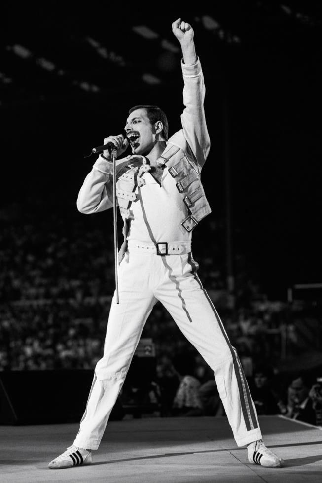 Queen Rare BW Stage Freddie Mercury Brian May Band CANVAS PRINT Leinwand