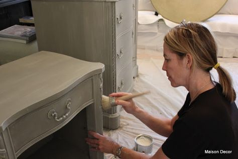 Great tips on how to use chalk paint. A must read if you haven't used it yet.