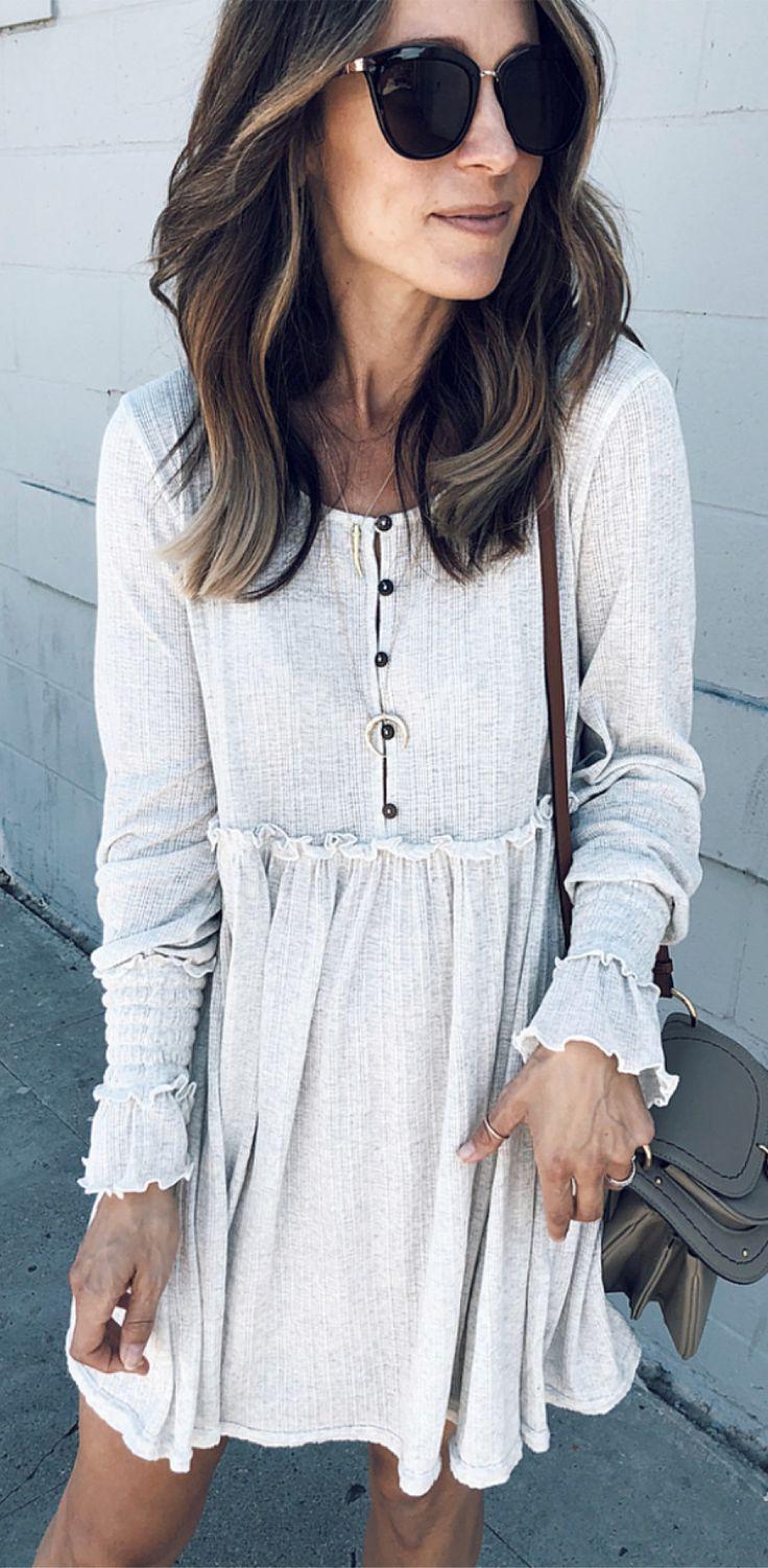 wite long-sleeved dress for fall