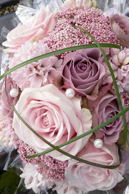 From Strictly Weddings via Facebook Soooo Romantic- Pink Roses, Hyacinths and Pearls.