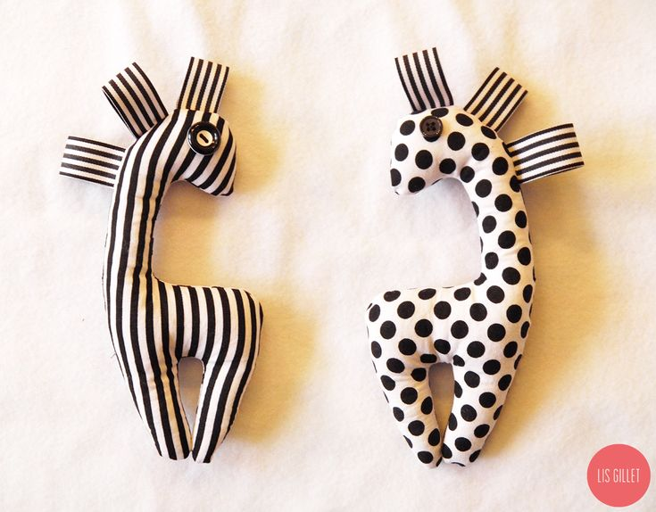 DIY: Sew Baby Rattle | Lis Gillet Easy and cute. I didn't have ribbon so used the fabric instead. Tanya
