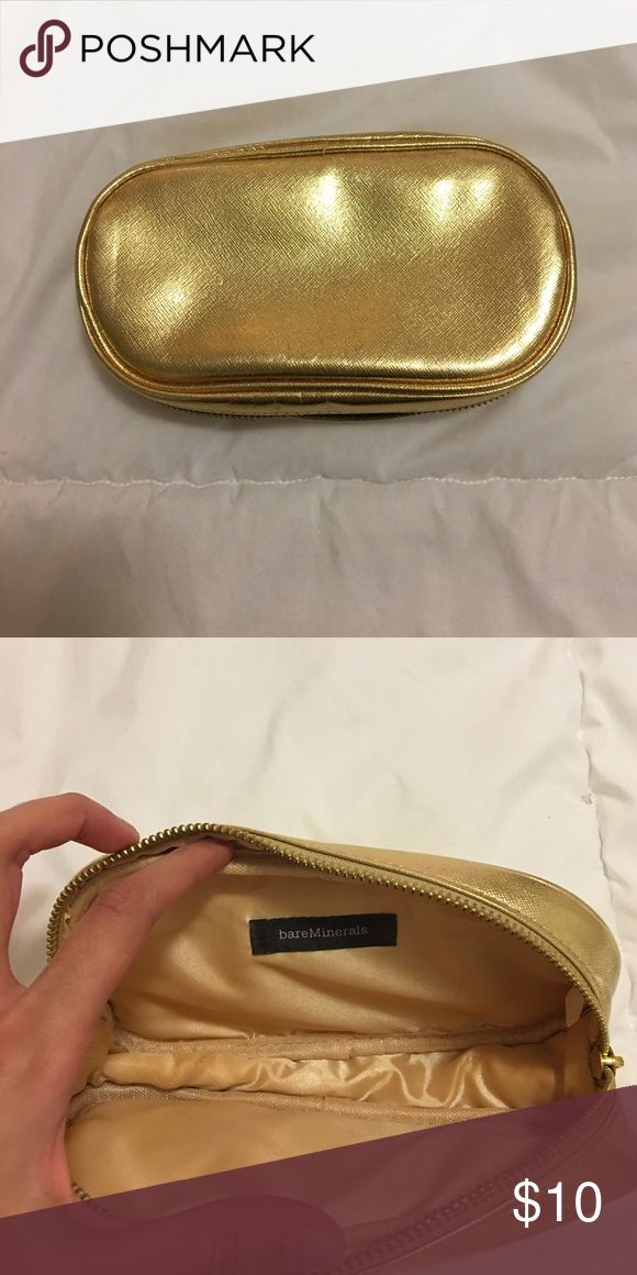 Bare Minerals Makeup Bag Gently used bag fits all my Bare Minerals powder foundation and brushes. bareMinerals Bags Cosmetic Bags & Cases