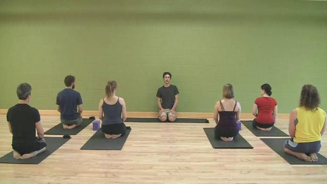 Vigorous Kripalu Yoga Class with Danny Arguetty by Kripalu Center. Join Kripalu Yoga teacher Danny Arguetty as he leads you through an hour-long vigorous flow practice with a particular focus on the theme of groundedness.