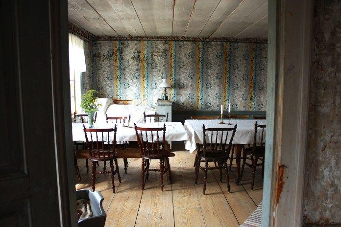 Old swedish farmhouse | piecefully