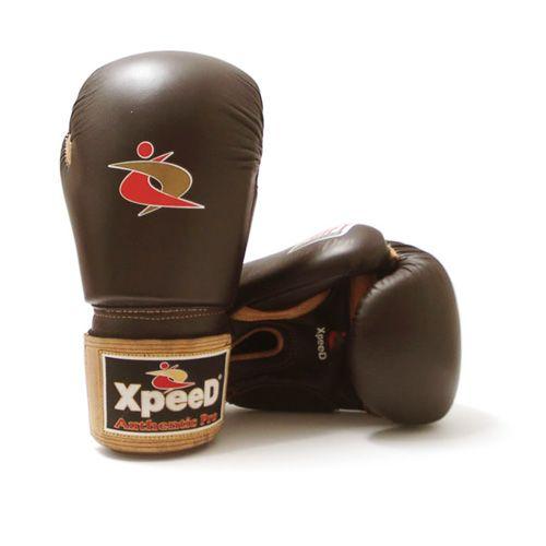 Xpeed authentieke PMFT sparring handschoen 14 OZ  Description: Handgemaakte lederen allround sparring handschoen. Aan de binnenzijde is gebruik gemaakt van een hoog geconcentreerd foam. Deze binnenzijde wordt met een speciale mal geproduceerd PMFT technologie genaamd. Dit foam zorg voor een ultieme pasvorm en een goede demping. Klittenband sluiting van leer. \\n Een hoogwaardige handschoen voor boksen en alle andere vormen van martial arts. \\n Deze handschoen is verkrijgbaar in de maten: 12…