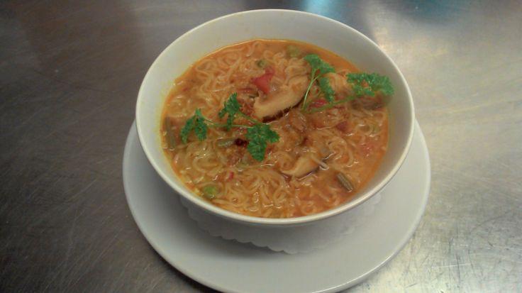 Thai prawn and mushroom ramen noodles