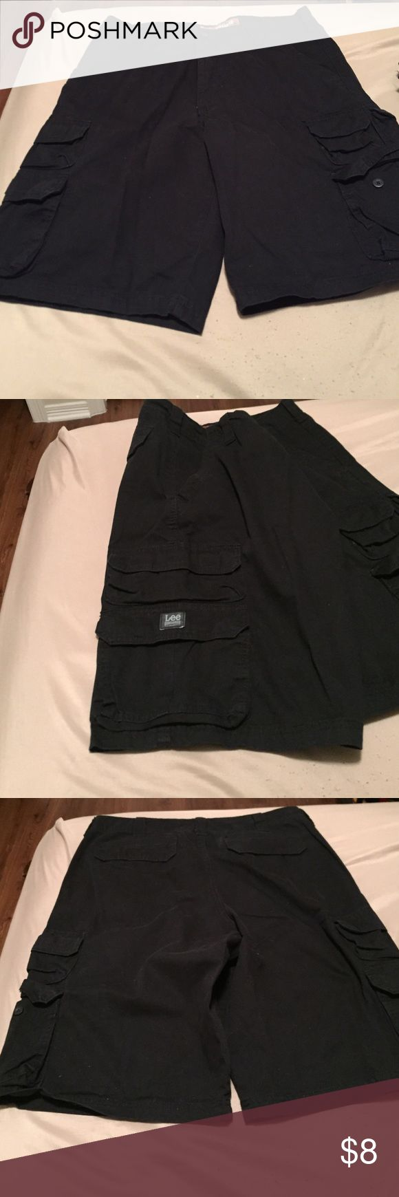 Men's lee black cargo shorts These shorts are in good condition! lee dungarees Shorts Cargo