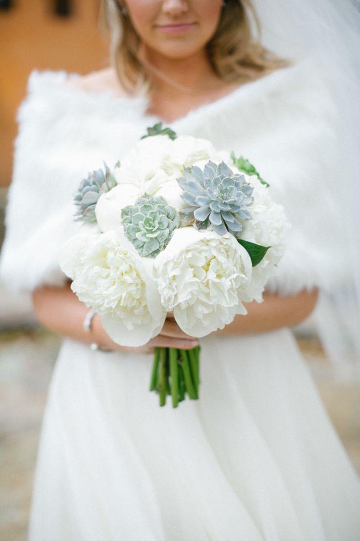 A perfect #bouquet for a sweet winter wedding. Photography: Kimberly Chau Photography - kimberlychau.com, Floral Design: Tamara Menges Designs - www.tamaramenges.com  Read More: http://www.stylemepretty.com/southwest-weddings/2014/04/30/elegant-winter-wedding/