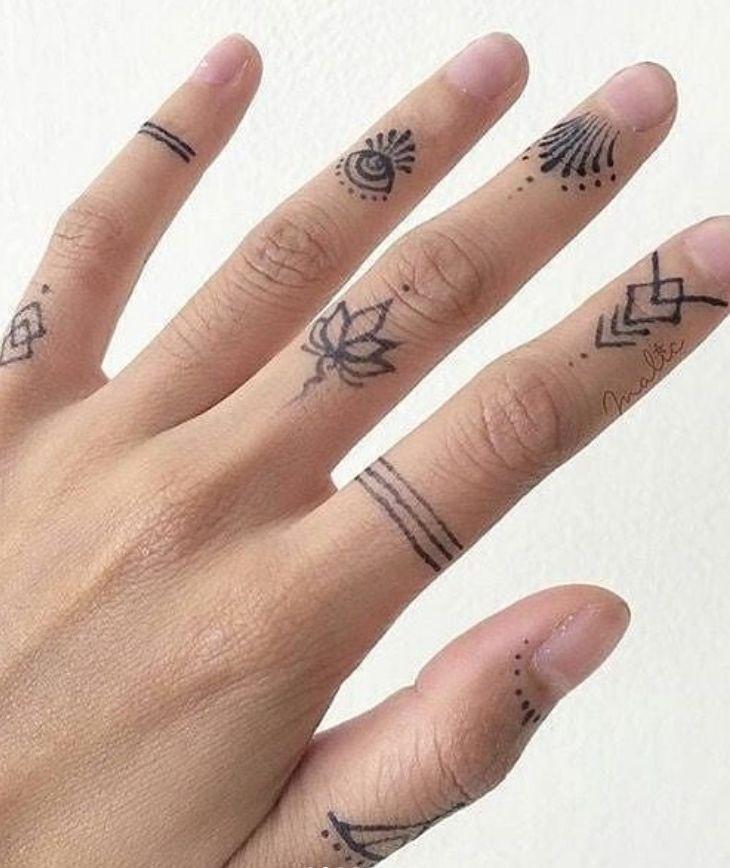 45 Idées significatives de tatouage au doigt que chaque femme veut peindre! –   – Tattoo ideas for women