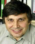 http://www.blog.universidades-rusia.com/2014/03/21/andrey-gueim-rusia-premio-nobel-de-fisica-2010/ Andréy Konstantínovich Gueim (Andre Geim) nació en Sochi (Rusia) el 21 de octubre 1958, es un físico conocido por su trabajo sobre el grafen...